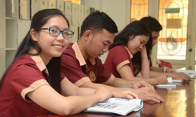 The Policy on scholarships and gifts for new students of Vo Truong Toan University in 2018