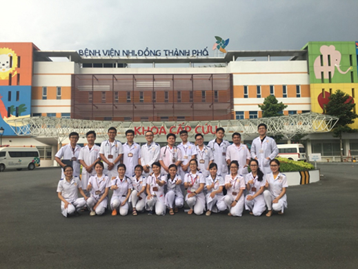Medical students of Vo Truong Toan University practise at Children's Hospital (HCMC)